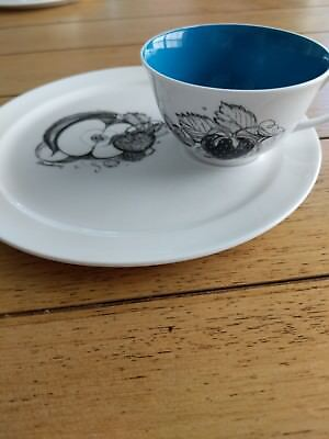 Susie Cooper Black Fruit Strawberry cup and saucer set