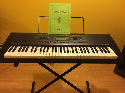 Casio electronic piano ctk-2000, labeled keys, 400+ presets.