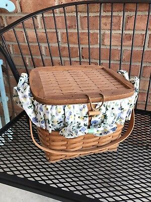 Vintage Small Picnic Basket With Lid 1992