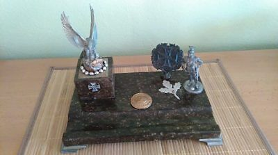 WW1 patriotic desk ( marmor and metal ) sculpture