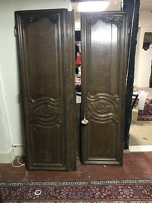 A Large 18 Th Century Carved Oak Armoire