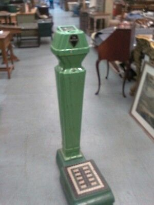 Antique Standard Computing Scale Co. Detroit COIN OPERATED GREEN PLATFORM SCALE