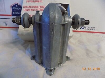 Buffing Grinding Grinder Mandrel Chicago Die Casting  888 Bronze Bearing NOS USA