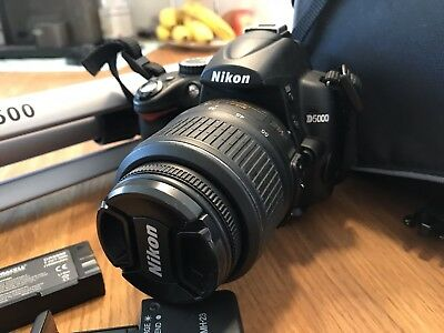 Nikon D5000 SLR-Digitalkamera -(Kit m/ AF-S DX 18-55mm