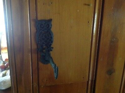 Set of 2 Vintage Cast Iron OWL HANGERS (2) Wall/Door Mount