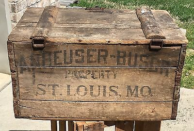 Vintage ANHEUSER BUSCH BUDWEISER Wooden Beer Crate Hinged Lid 100Yr. Anniversary