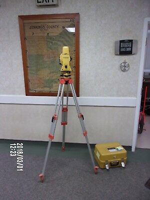 Topcon GTS-702 Electronic Total Station