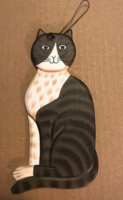 GRAY WHITE country primitive cat feline wood cats kitten wall decor plaque sign
