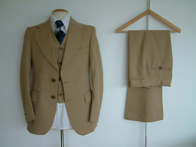 """1970's 3 PIECE FLARED SUIT..36"""" x 30""""..GIANT LAPELS..DISCO..GLAMTASTIC 70's WEEK"""