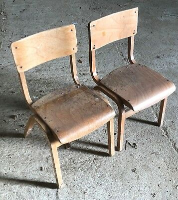 1 No. Old Vintage School Child's Wooden Chair