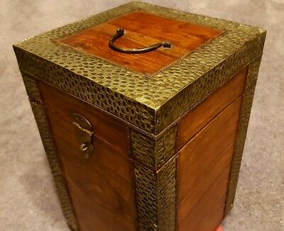 Rustic & Unique Wooden & Metal Wine Box Holds 4 Bottles Brand New
