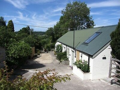 Stylish barn holiday for couples with hot tub -7 April 7 nights special offer