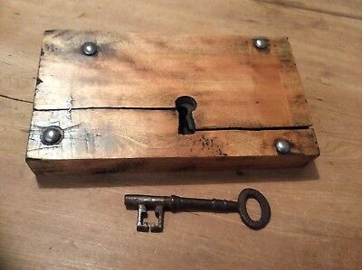 LOVELY LARGE ORIGINAL WOOD AND METAL RIM LOCK WITH KEY - 19th CENTURY