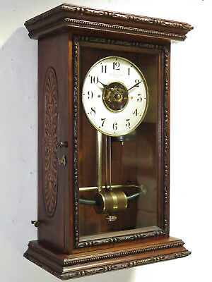Superbe pendule BULLE CLOCK wood carved collection