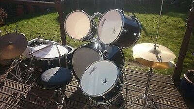 Performance Percussion 5 piece drum kit **Look**
