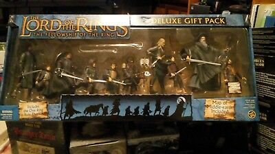 Lord Of The Rings Deluxe Gift Pack. Fellowship. 9 Figures. Map & Ring. Sealed.