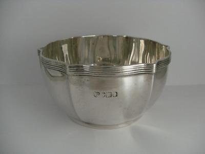 Beautiful Solid Silver Bowl London 1909