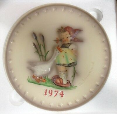 1974 W.Goebel M.J.Hummel 4th Annual Plate Goose Girl #267 Hand Painted