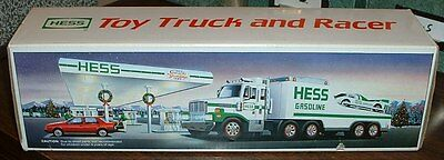 Hess Gasoline '88 Truck w/ Race Car