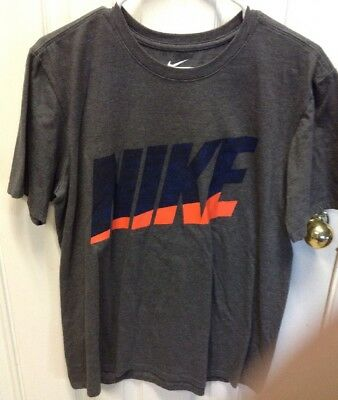 Men's Lot T-Shirts (size S And M) Nike, Hollister)