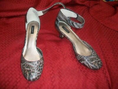 "ARRAY Round-Toe 2""-Heels- Leather / Black & Silver w/Cerise Accents - Size 8.5 M"