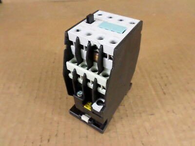 Siemens 3TH2022-0AK6 Control Relay Otis PN AAA613CX106