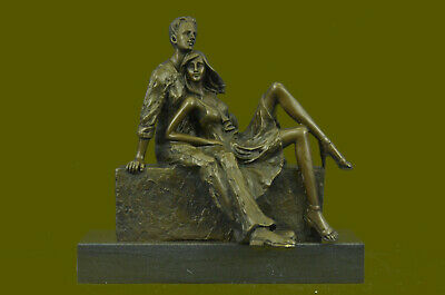 Man & His Girl Friend In Romantic Place Bronze Statue Handcrafted Detailed Art T