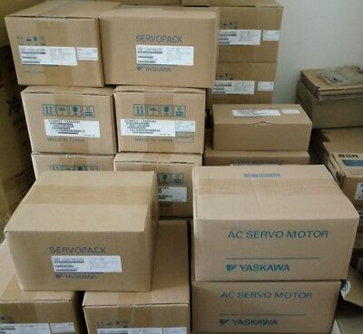NEW IN BOX For YASKAWA SGMAS-A5A2A2C Servo Motor