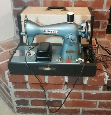 Vintage WHITE Rotary Sewing Machine 6775 E-6354 Teal Retro Turquoise w/Case
