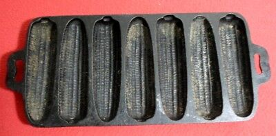 Very Nice Vintage Cast Iron Seven Ear Corn Bread Muffin Stick Pan Model 7S 26