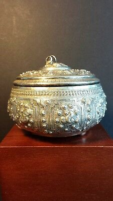 Stanning Antique Indo-Persian Silver @ .800 Repousse Bowl with Stylised Animals