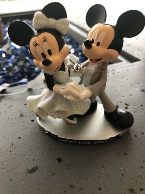 Disney Parks Mickey & Minnie Mouse Happily Ever After Ornament New with Tag 2018