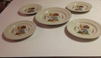 """Enesco 1994 Precious Moments """"love One Another"""" 4 Salad And 1 Dinner Plates"""