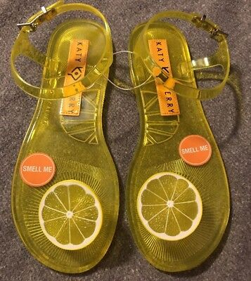 283520f898bc Katy Perry Geli Lemon Flat Sandal Sz 8 Rare Sold Out Fruit Scented NEW  Yellow