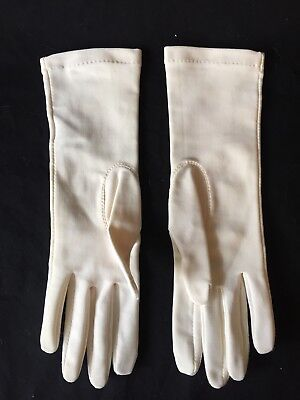 Vintage 1960s White / Ivory Stretch Mid-Length Ladies' Gloves