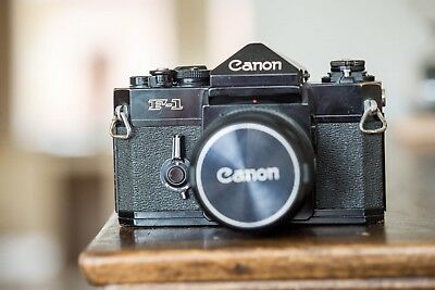 Canon F1 Black Camera SLR with FD 50mm F1.8 SC Objektiv