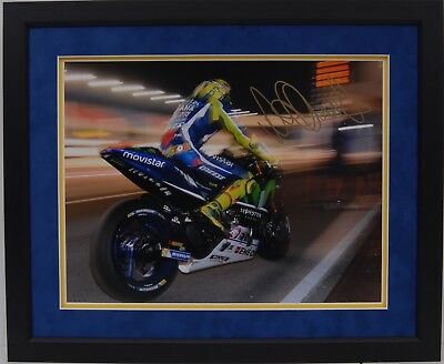 Valentino Rossi Hand Signed Yamaha Motogp Framed Photo Display Proof 6.