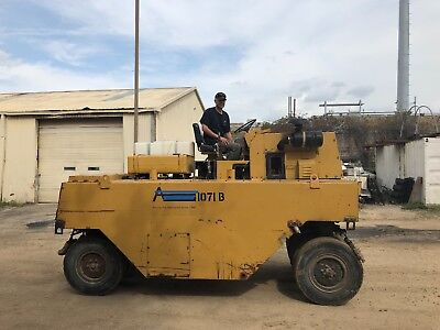 Galion P3000 Pneumatic 9-Wheel Roller/Compactor for Dirt/Asphalt