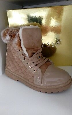 New Womens Warm And Cosy Fur Padded  Boots  8Uk Brand New With Box