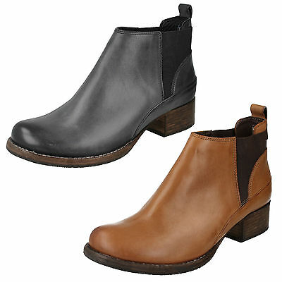 80ccc098 Ladies Clarks Monica Pearl Leather Pull On Gusset Low Heel Chelsea Ankle  Boots