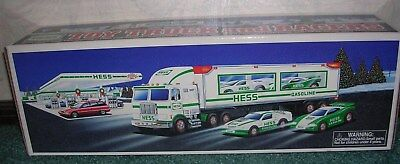 1997 Hess Toy Truck & Race Cars New In Box Holiday Tradition Lights Pull Motors
