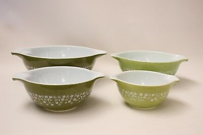 Vintage Pyrex Set Of 4 Nesting Mixing Bowls Cinderella Green Daisy Made In USA