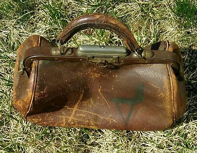 Antique Well Worn Leather And Metal Doctor's Dr's Bag Nickel Chrome Plated Clasp
