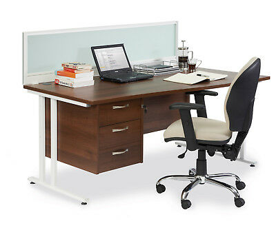 Maestro 25 straight desk 600mm deep - white leg cantilever frame - White - 800