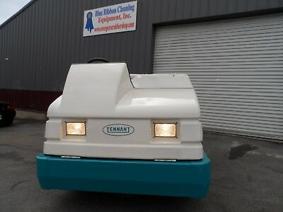 Tennant 7400 LP Totall serviced, very clean ford eng. LOW HRS.