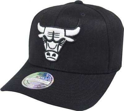 Mitchell   Ness Chicago Bulls EU1033 110 Curved Black White Flexfit  Snapback Cap 04eeef6470e3
