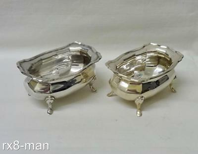 1923 SUPERB VINTAGE PAIR OF SOLID STERLING SILVER SALT CELLARS - 94g/3.02ozs