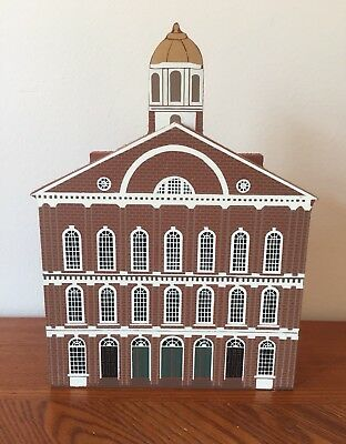 Shelia's Shelf Sitter Wooden House Faneuil Hall Boston Mass 1991 3D NEW