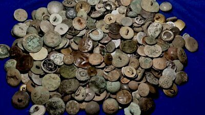 Huge!  Lot Of Buttons - Many Types!