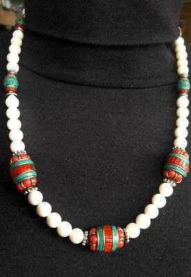 COLLIER  TIBETAIN  Corail blanc et turquoise n1